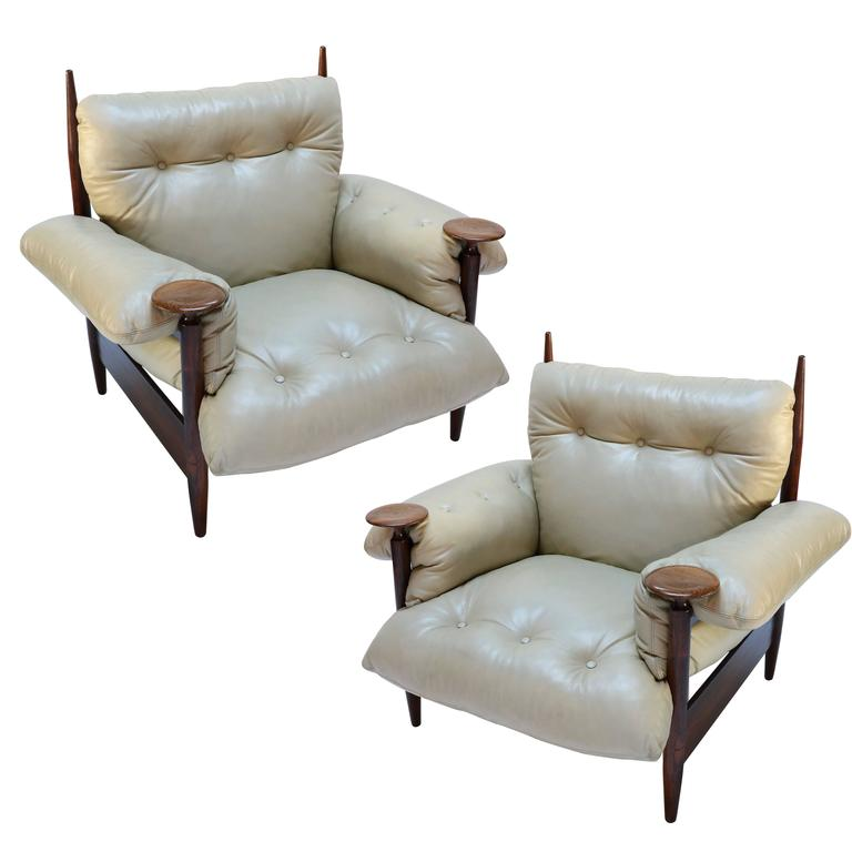 Pair of 1960s Brazilian Jacaranda Armchairs by M. L. Magalhães