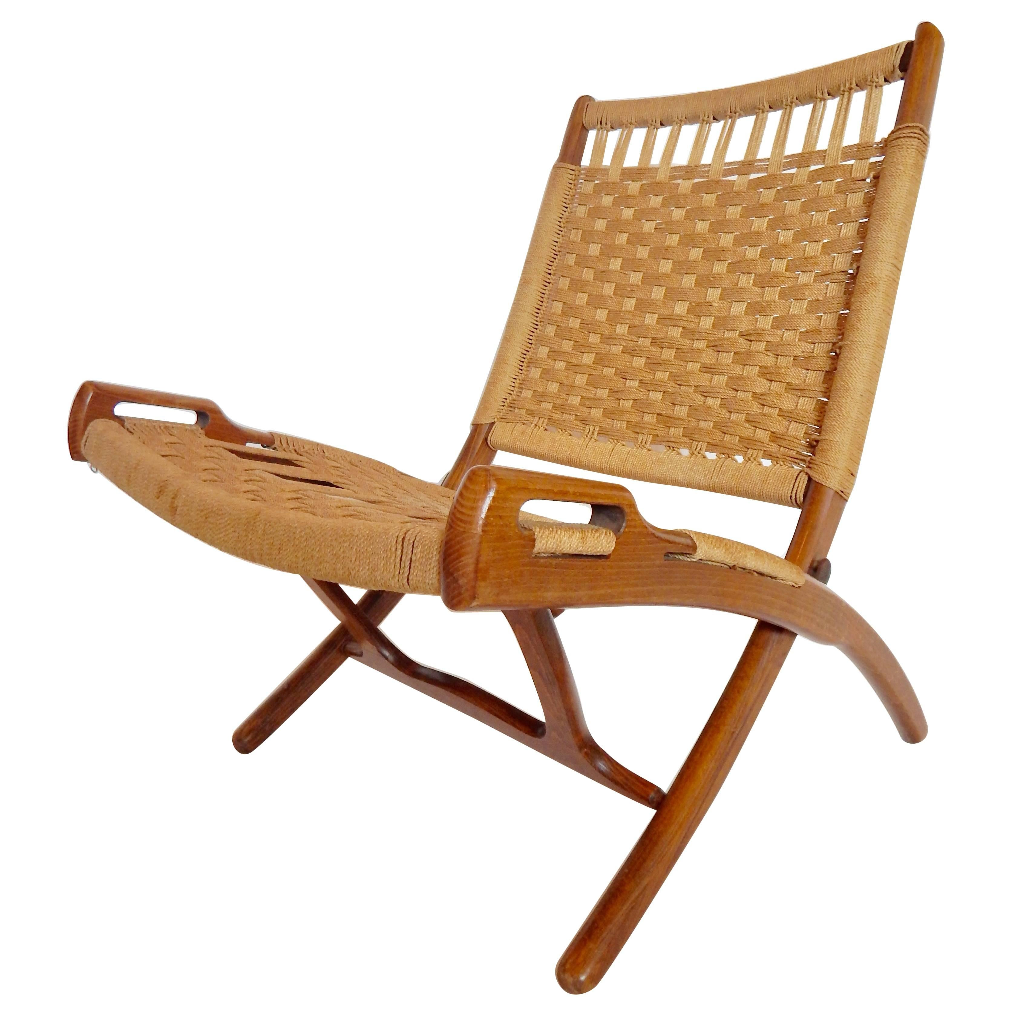 Mid Century Hans Wegner Style Woven Folding Chair With Handles For Sale