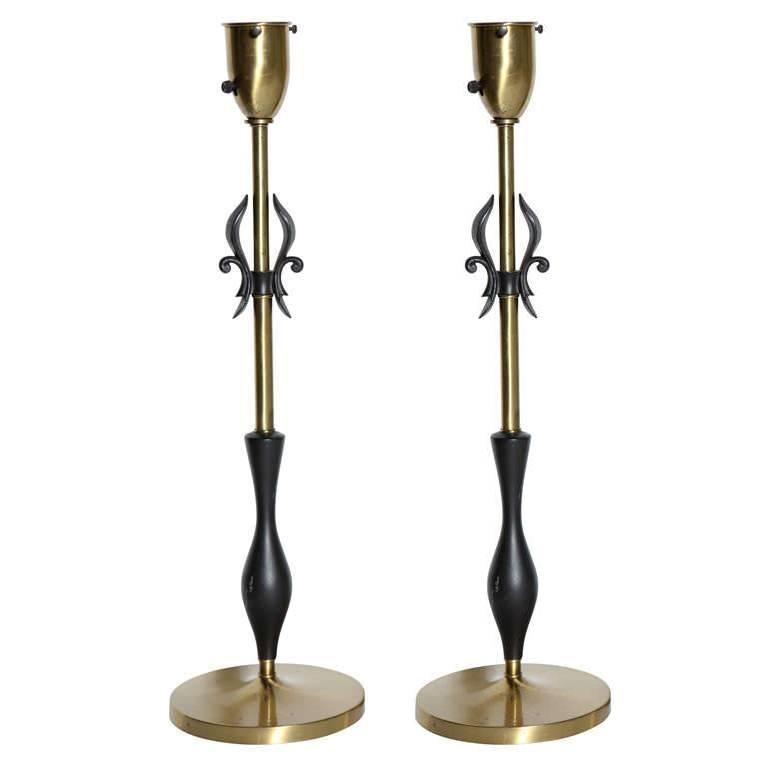 Pair of Rembrandt Lamp Co. 1950s Brass & Black Fleur-de-LIs Black Handled Lamps For Sale