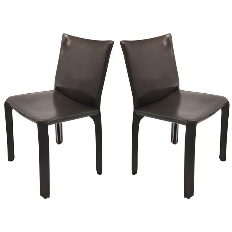 Incroyable Pair Of Gray Leather 412 CAB Chairs, Mario Bellini For Cassina For Sale
