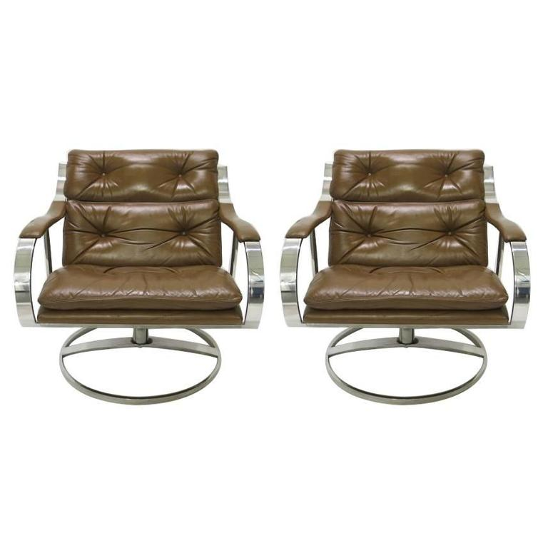 Pair of Large Lounge Chairs by Gardner Leaver for Steelcase, circa 1971 American