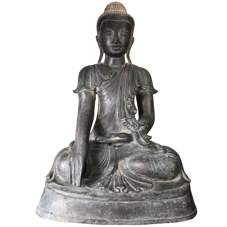 Monumental Antique Bronze Serene Buddha with Superb Old Patina, Old Collection