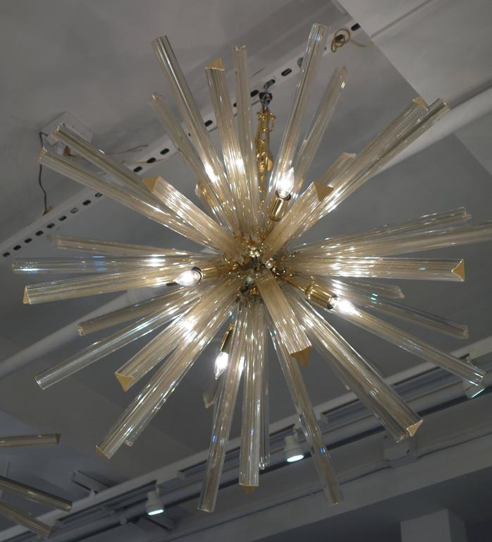 Italian Gold Infused Murano Glass and Brass Sputnik Chandelier 2