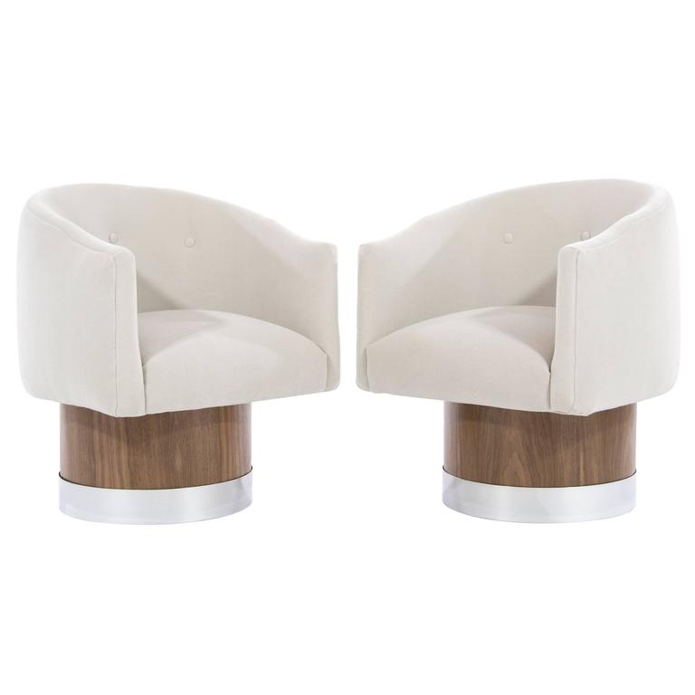 Mid-Century Modern Swivel Chairs on Walnut Bases by Milo Baughman