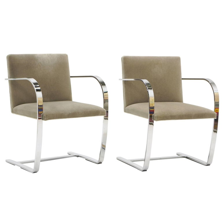 Pair of Ludwig Mies van der Rohe Flat Bar Brno Chairs for Knoll For Sale