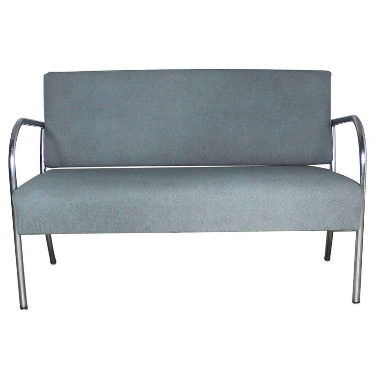art deco machine age streamline moderne royal metal chrome and vinyl bench sofa for sale at 1stdibs. Black Bedroom Furniture Sets. Home Design Ideas