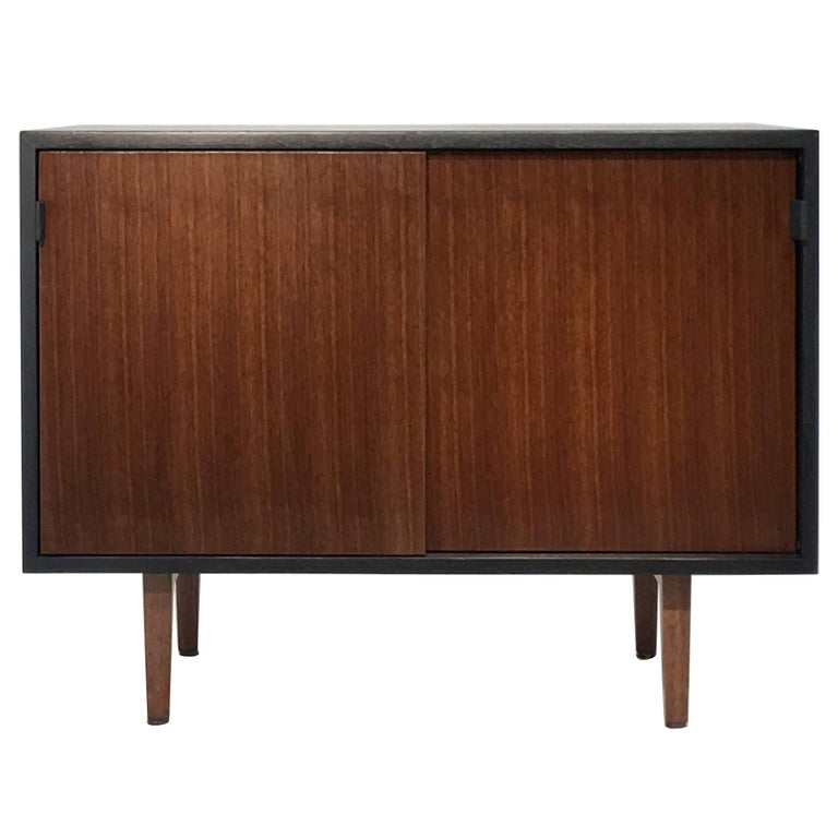Florence knoll sideboard at 1stdibs for Knoll associates