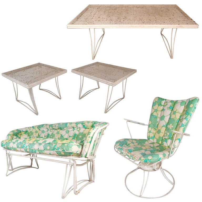 Vintage Homecrest Iron Patio Set by Harry Bertoia For Sale at 1stdibs