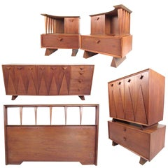 Mid-Century Bedroom Suite in the Style of George Nakashima