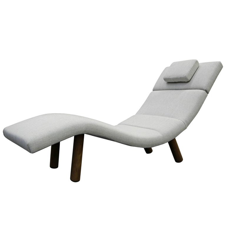 Mid century wave chaise longue chair at 1stdibs for Chaise longue wave