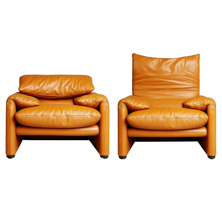 Maralunga Club Chairs by Vico Magistretti for Cassina, circa 1973 For Sale