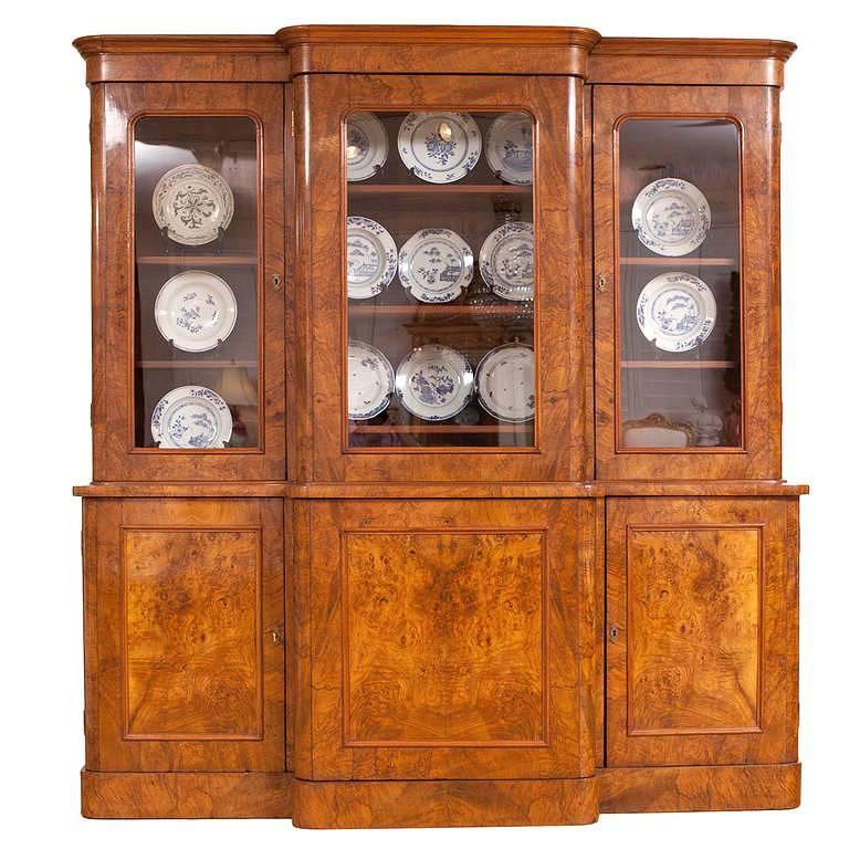 Long English Regency Bookcase / Vitrine in a Light Burled Walnut , circa 1835