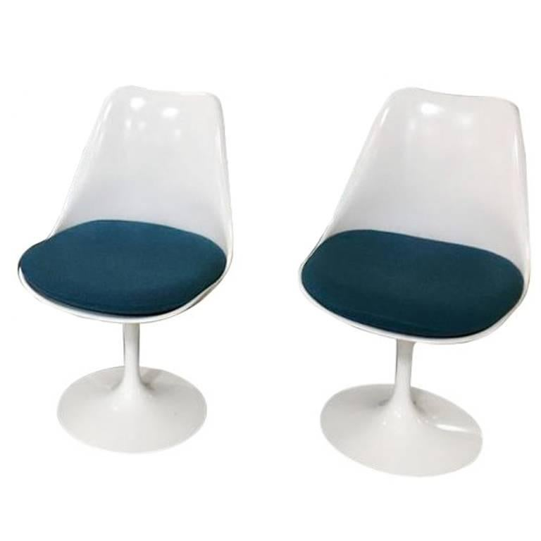 Pair of Tulip Chairs by Saarinen for Knoll