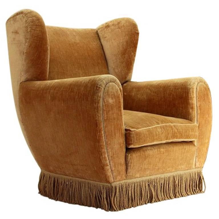 Wingback Beige Velvet Armchair By Poltrona Frau, 1950u0027s For Sale