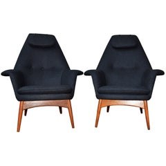 Pair of Teak Manta Ray Chairs in Charcoal Wool by Bjorn Engo for DUX