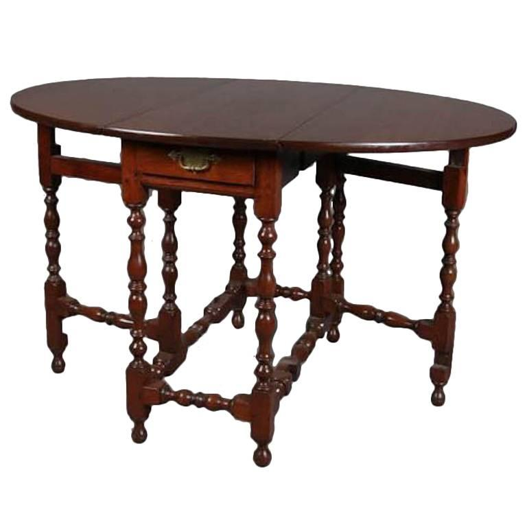 Beau 18th Century English William U0026 Mary Walnut Drop Leaf With Drawer Gate Leg  Table For Sale