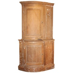 Early 18th Century Flemisch Bow Corner Cabinet