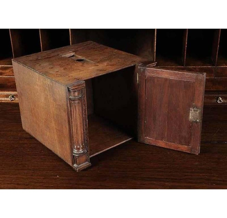 Period Chippendale Figured Mahogany Secretary Bookcase, circa 1765 For Sale 1