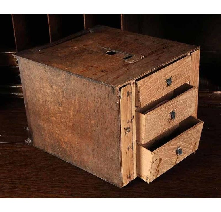 Period Chippendale Figured Mahogany Secretary Bookcase, circa 1765 For Sale 3