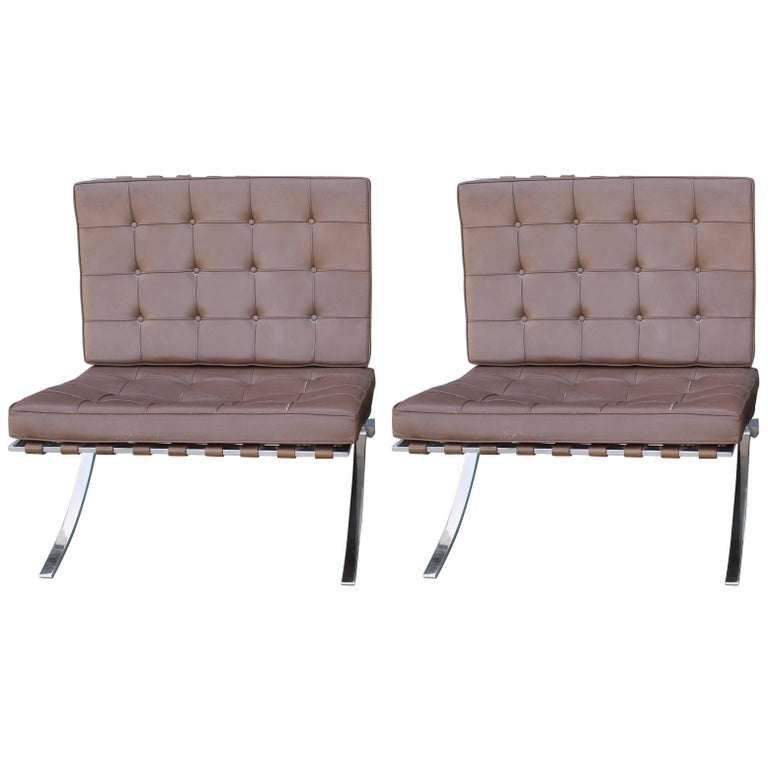 pair of mies van der rohe knoll barcelona chairs at 1stdibs. Black Bedroom Furniture Sets. Home Design Ideas