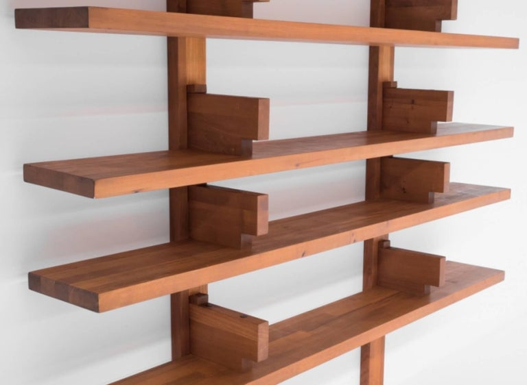 1960s Pierre Chapo French Elm Model B 17 A Wall-Mounted Shelves In Good Condition For Sale In Utrecht, NL