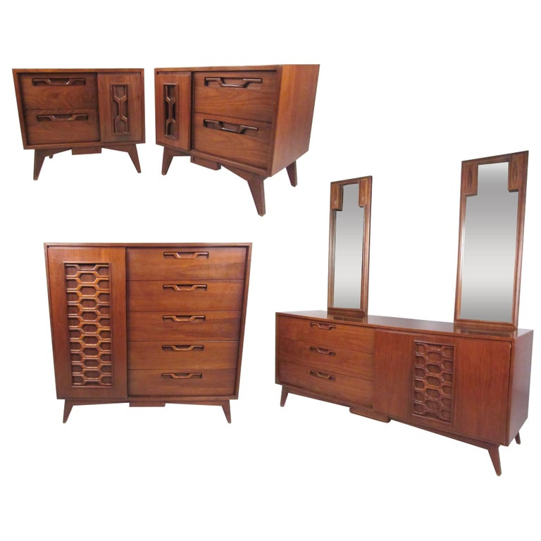 Stylish Vintage Walnut Bedroom Suite With Sculpted Front