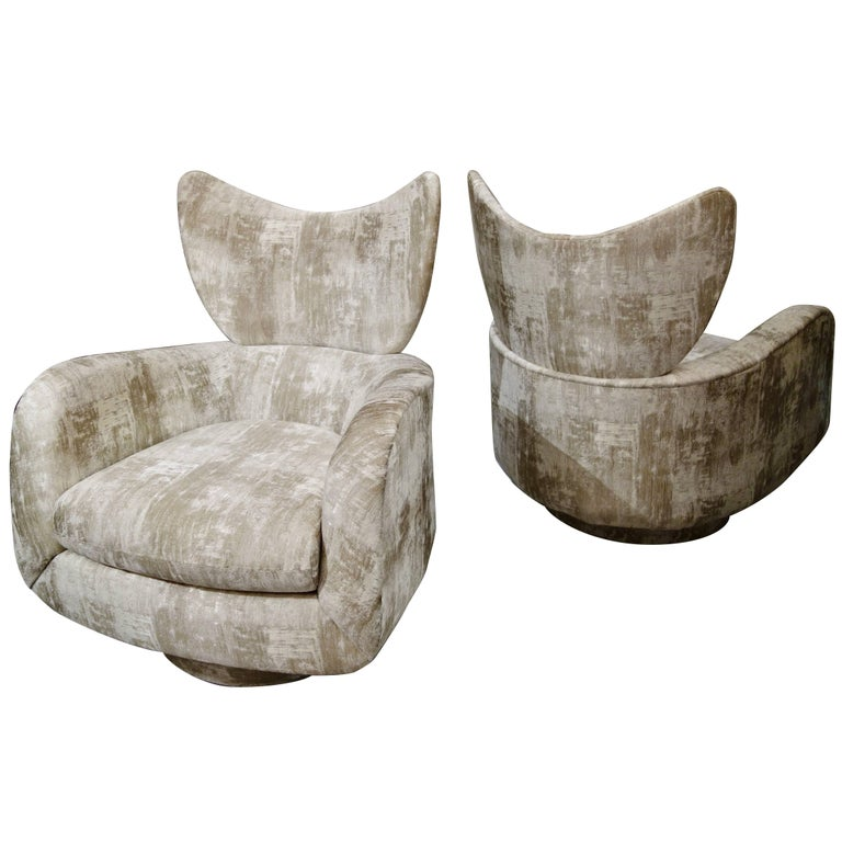 Pair of Vladimir Kagan Large Swivel Greige Lounge Chairs for Directional For Sale