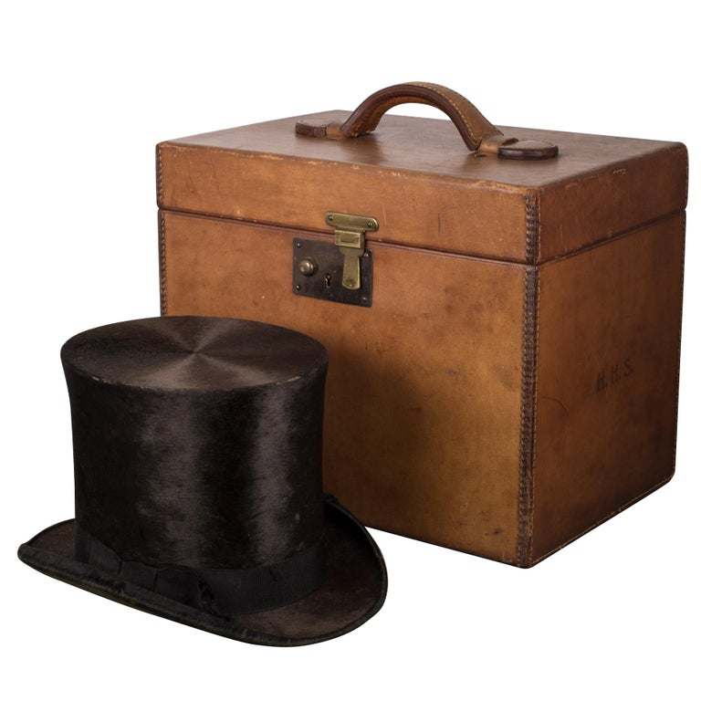 19th Century Beaver Skin Top and Original Leather Hat Box, circa 1800s For Sale