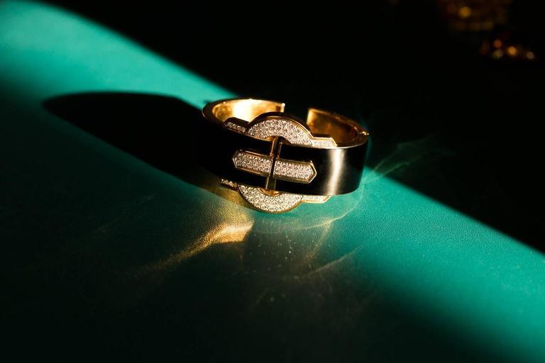 1970s David Webb Black Enamel Diamond Gold Cuff Bracelet 3