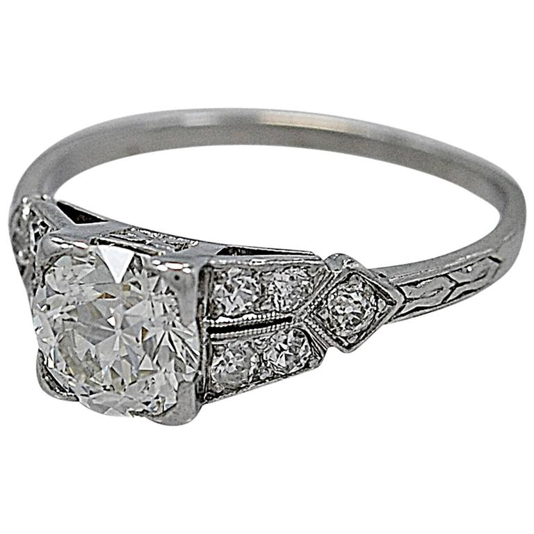 1.16 Carat Diamond & Platinum Art Deco Antique Engagement Ring For Sale