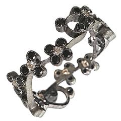 Dalben Black and White Diamond Gold Band Ring