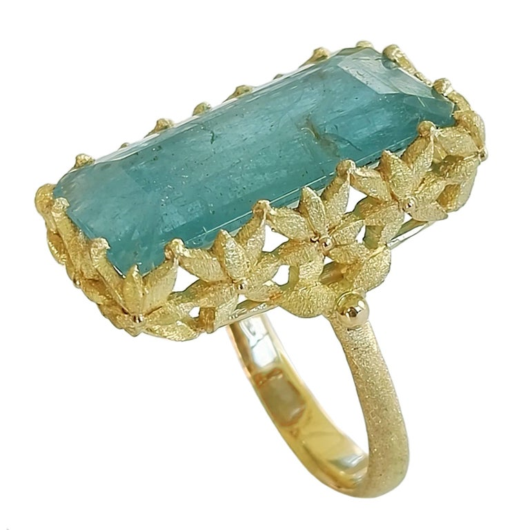 Dalben Rectangular Aquamarine Gold Ring