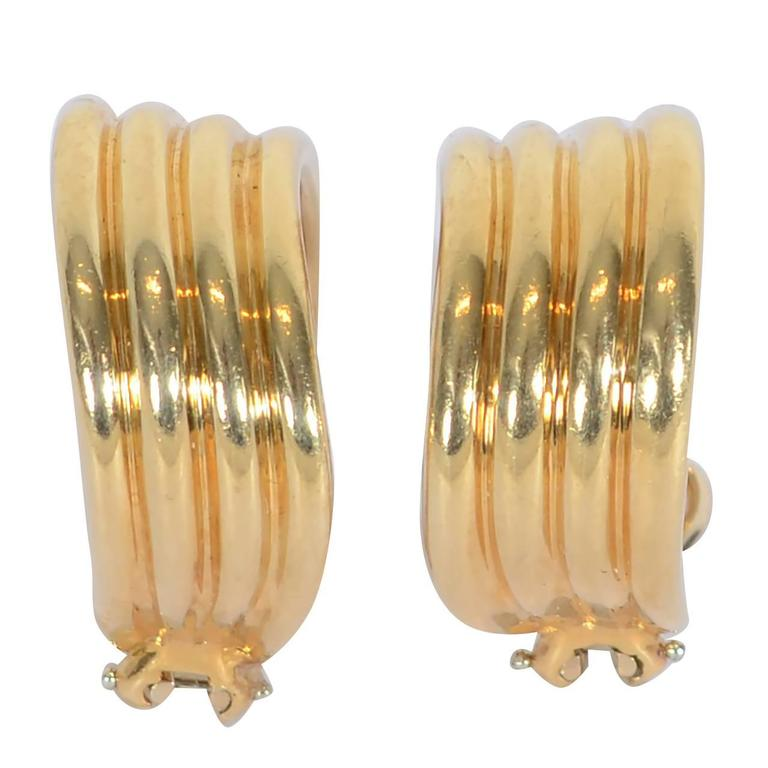 Tiffany Ribbed Gold Hoop Earrings