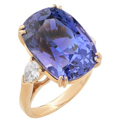 Important 24.15 Carat AGL No Heat Ceylon Color Change Sapphire  Diamond Ring