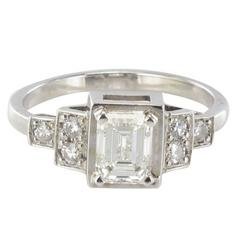 Splendid Emerald Cut And Brilliant Cut Diamond Gold Ring