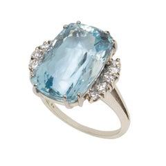 18.02 Carat Aquamarine Diamond Gold Statement Ring