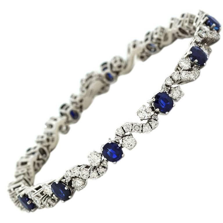 Chic 1960s Sapphire and Diamond-set White Gold Bracelet For Sale
