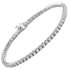 14 karat Classic Diamond Tennis Bracelet 4.00 Carats