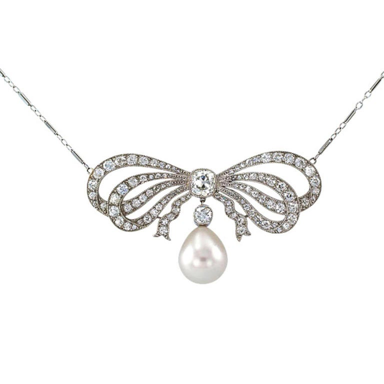 Women's Edwardian South Sea Pearl Diamond Gold Bow Necklace For Sale