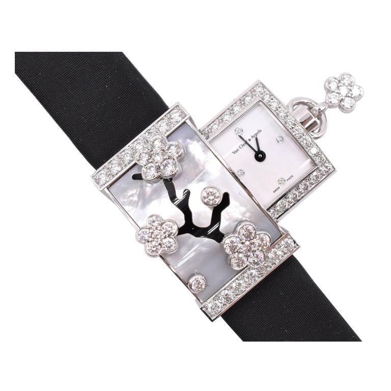 Van cleef and arpels secret miroir des eaux wristwatch at for Miroir 9 cases