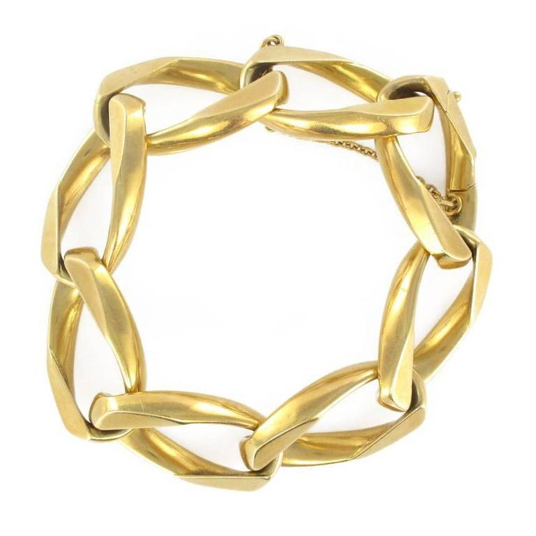1970s French Gold Chain Bracelet For Sale at 1stdibs