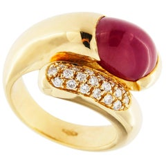 Jona Cabochon Ruby White Diamond 18 Karat Yellow Gold Cross Over Band Ring