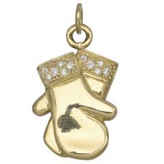 Pair of diamond Yellow Gold Mittens Charm