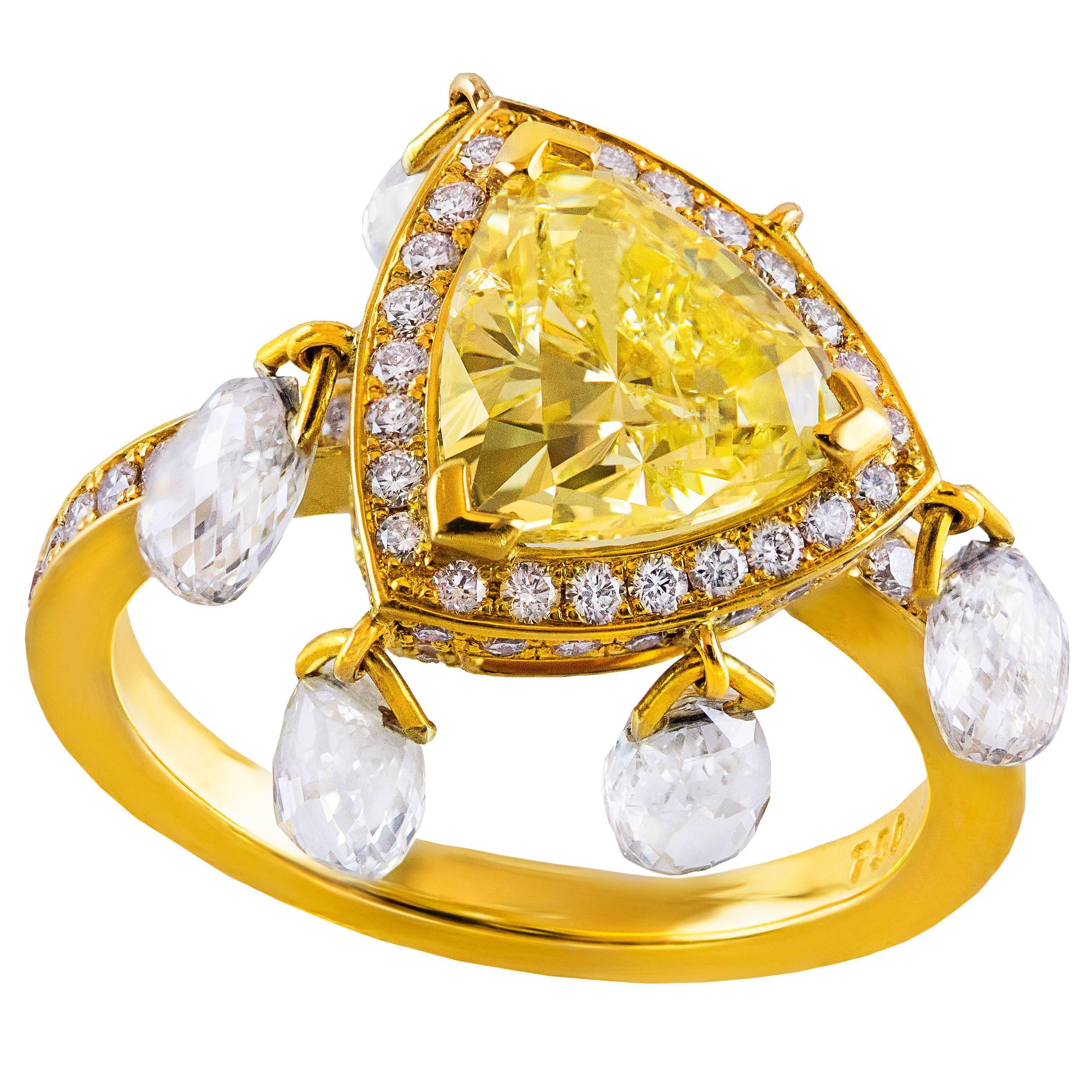 Roman Malakov GIA Certified 2 Carat Triangular Fancy Yellow Diamond Gold Ring