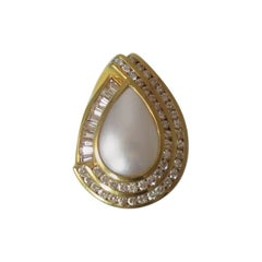Fabulous 18 Karat Yellow Gold Diamond and Mabe Pearl Ring