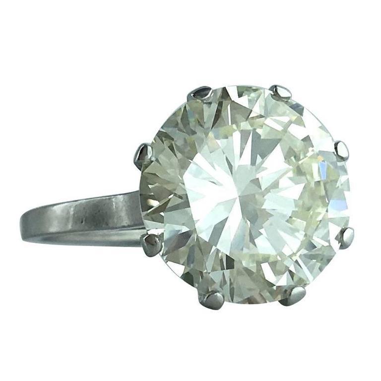 French Art Deco 6.23 Carat Round Diamond Platinum Solitaire