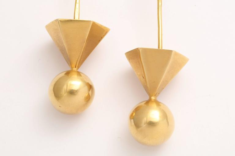Gold Tribal Geometric Earrings In Good Condition For Sale In Fifth Avenue, NY