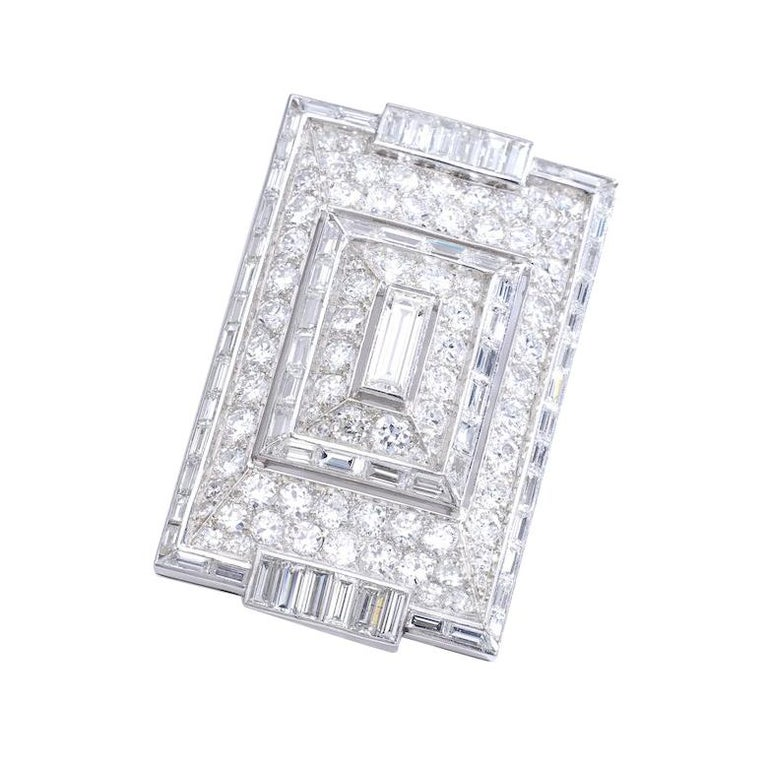 Women's or Men's 1930s French Art Deco Diamond and Platinum Brooch Necklace For Sale
