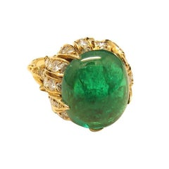 Sterlé Paris 1960s L.F.G Certified Colombian Emerald Diamond Gold Ring