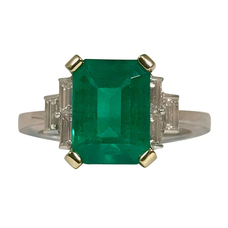 Emerald and Diamonds Baguettes Yellow and White Palladium Gold
